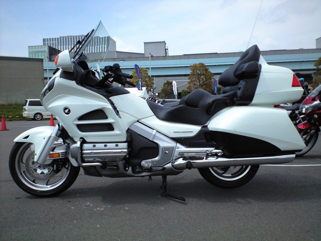 図1 大型二輪車1800cc (Wikipediaより)