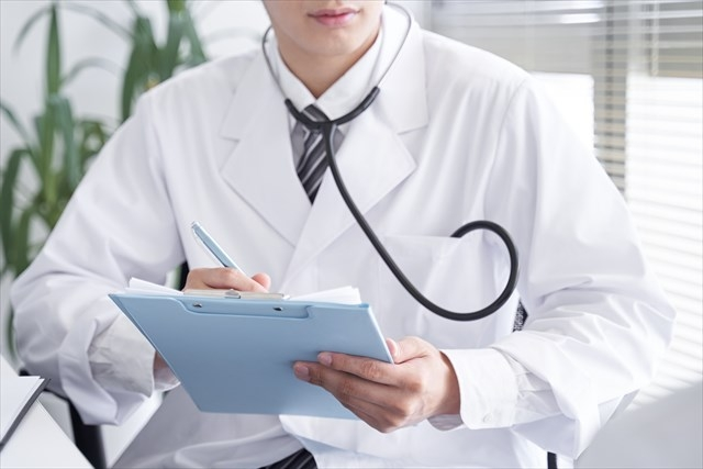 図4 診察は経験の浅い医師に
